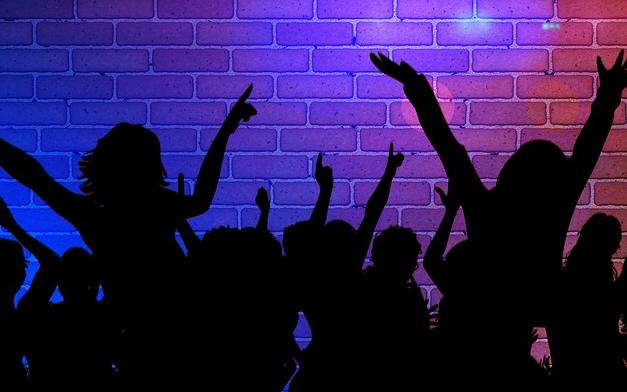 Clubs sowie Bars und andere Mglichkeiten Party zu machen im Berliner Wedding